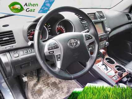 Toyota Highlander ГБО
